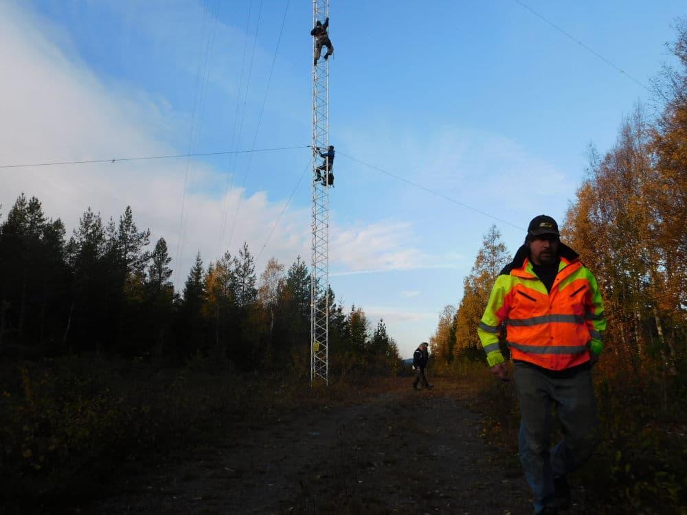 181010-16.kl.10.02-Lasse o HE-klättrar 2