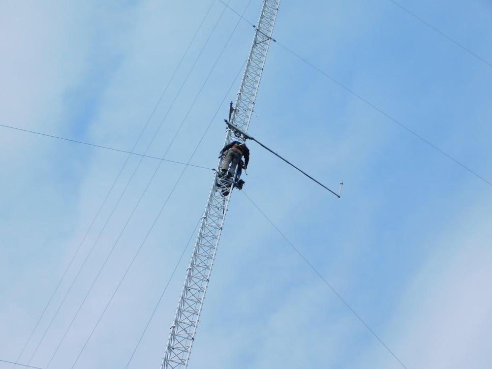 181010-19.kl.10.27-Lasse o HE-klättrar 52m