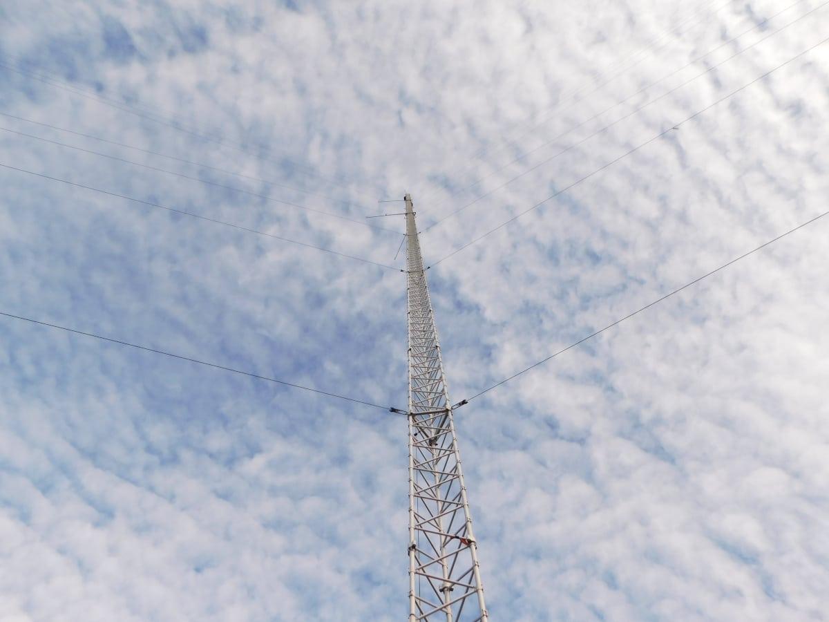 181010-27.kl.10.47-snart uppe-hela masten